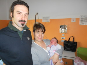 Agata Lorio con i genitori: è l'ultima nata 2013