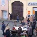 La processione con l'urna con le reliquie di San Giovanni Bosco per le vie di Mirabello