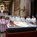 Celebrazione della Santa Messa a Mirabello alla presenza dell'urna con le reliquie di San Giovanni Bosco