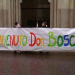 Striscione di benvenuto davanti alla Cattedrale di Sant'Evasio a Casale Monferrato