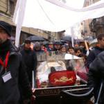 Il corteo con l'urna con le reliquie di San Giovanni Bosco a Casale Monferrato