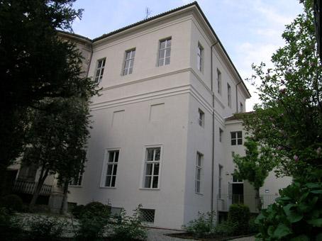 25-11-2010 palazzo mossi a frassineto che ospita il villaggio del libro