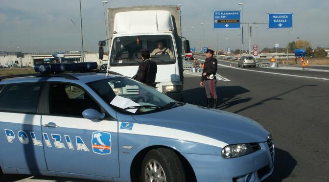 Delinquente ubriaco percorre 27 km contromano: PolStrada evita una strage