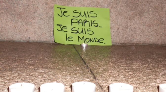 PARIGI SOTTO ATTACCO: Il cordoglio dei casalesi