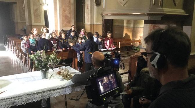 """Te absolvo"" in città: ripresa davanti al Duomo"