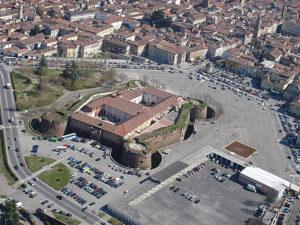 04-03-2010 veduta dall'alto della cittˆ di casale piazza castello