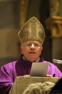 31-03-2011 il vescovo alceste catella in duomo