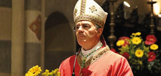Il Vescovo Gianni Sacchi
