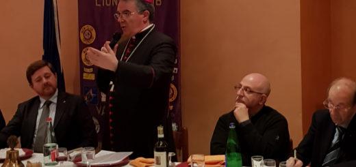 Il Vescovo Monsignor Gianni Sacchi al Lions Club della Valcerrina