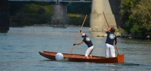 barcè sul fiume Po