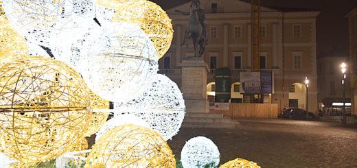 Albero di Natale in piazza Mazzini
