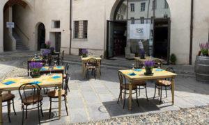 Enoteca-Regionale-del-Monferrato-Cortile-Castello-1000x600