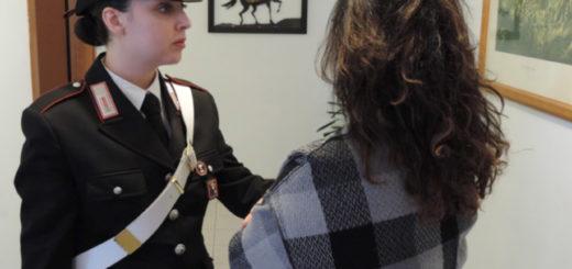 carabiniere e donna