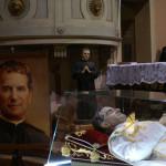 L'urna con le reliquie di San Giovanni Bosco a Mirabello